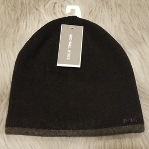 🆕️ Michael Kors Reversible Beanie. Black/Gray
